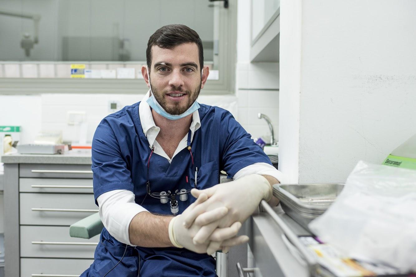 דר טל שיפר רופא שיניים מומחה (7)